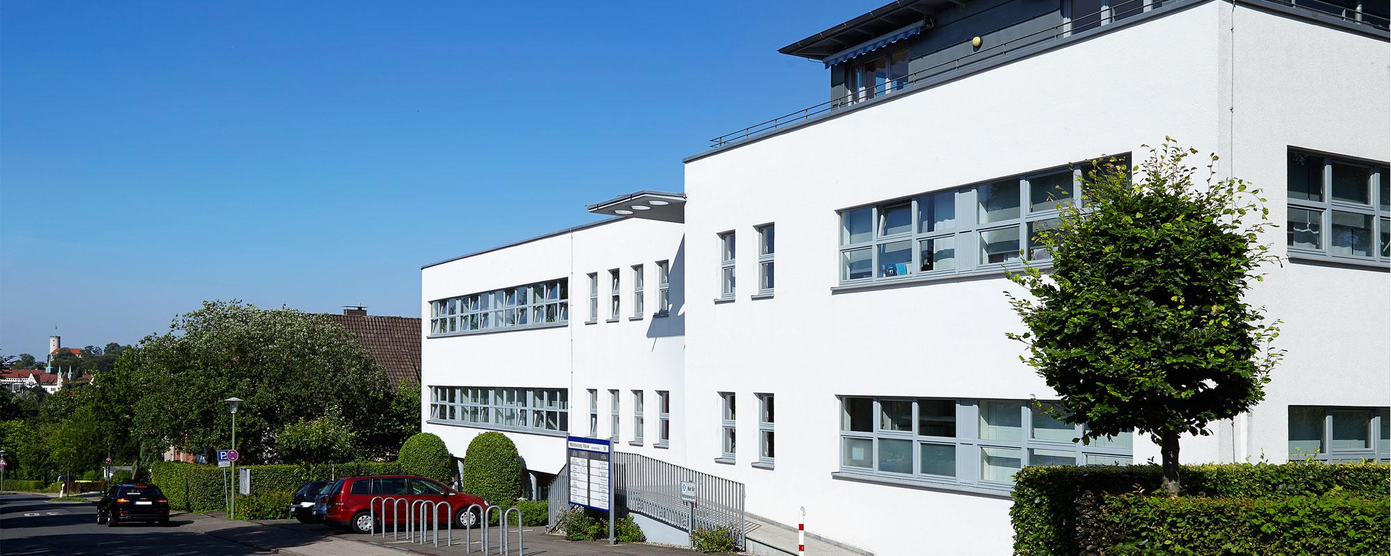 Herzlich willkommen auf den Internetseiten Ihrer <span>Zahnarztpraxis in Bielefeld</span>