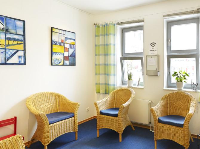 Wartezimmer Zahnarzt Bielefeld