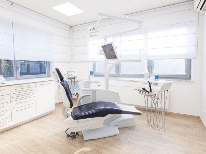 Zahnarzt_Praxis_Bielefeld_Behandlungsraum_1