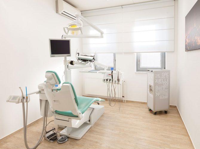 Zahnarzt_Praxis_Bielefeld_Behandlungsraum_3